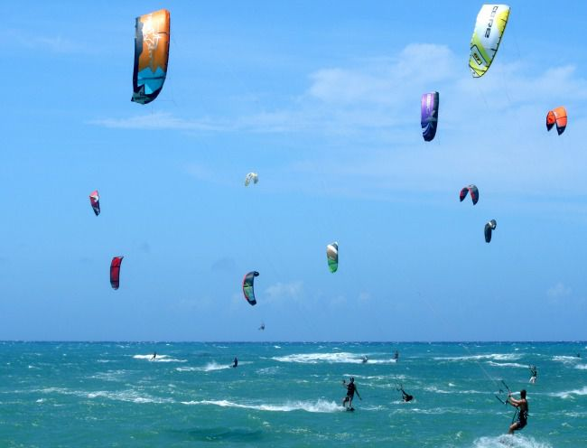 Kiteboarding – Strong and stable winds in Cabarete, Dominican Republic