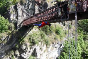 Kawarau Bridge Bungy, Queenstown, (New Zealand)