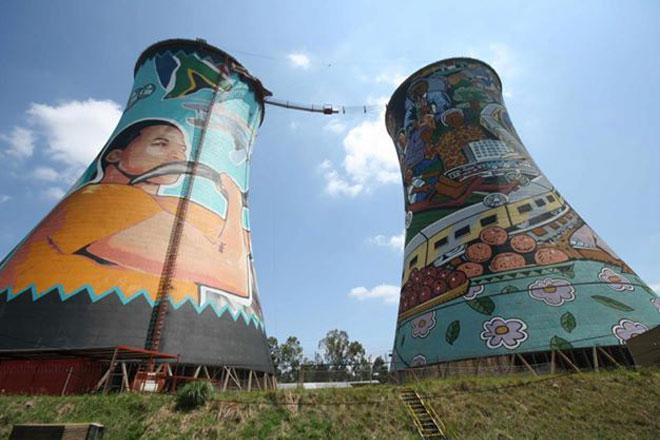 Orlando Towers Bungy Jumping, Soweto, Johannesburg